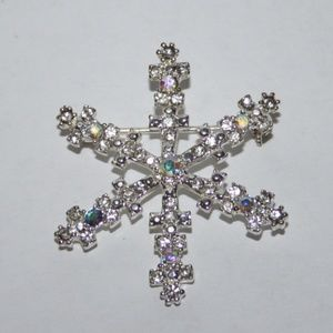 Beautiful silver rhinestone snowflake brooch